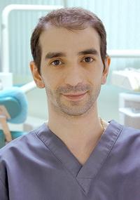 Роман Александрович Абовян -  врач-стоматолог ортопед, имплантолог